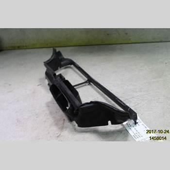 Deflektor/Luftintag Plåt / Plast Volvo V70      05-08 01 V70 2005 9190500