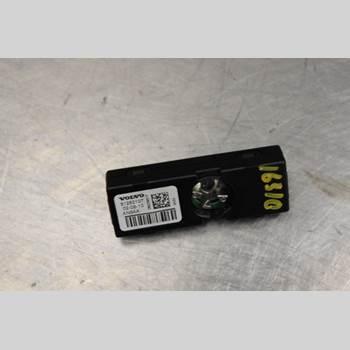 VOLVO V60 11-13 2,0D D3 163HK 2011 31282107