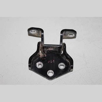Bakluckegångjärn Vänster PAJERO 3,2DI-D AUT 4WD 2010 MR436611