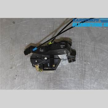 TOYOTA AVENSIS   03-06 2,0 16V TECHNICAL 2003 69040-02151