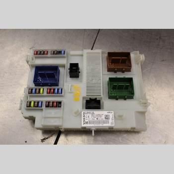 VOLVO V60 14-18 2.0D D3 Diesel Kombi 136Hk 2015 31384931AB