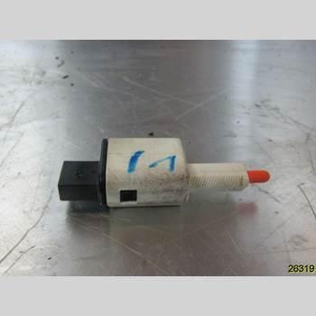 Bromsljuskontakt RENAULT MEGANE III 09-15 RENAULT Z 2010 253250007R
