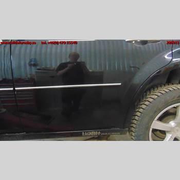 Dörr Vänster Bak CHR 300C 2,7 2007