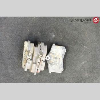 Bromsbelägg Bak AUDI A4/S4 01-05 Audi A4-s4     01-05 2002 8E0698451L