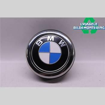 BAKLUCKEHANDTAG BMW 1 F20/F21 11-19 BMW 1K4 118D 2012