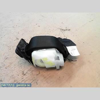 Säkerhetsbälte Mitten Bak TOYOTA AURIS    10-12 6VXL 1,4D 4D CC VIT 2010