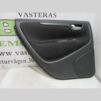 VOLVO V70      00-04 VOLVO S + V70 2002 39961595