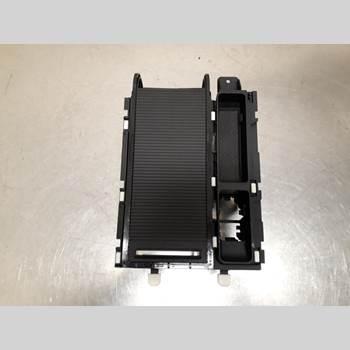 Mugghållare VW PASSAT 15-19 VOLKSWAGEN, VW PASSAT 2015 3C0862531C