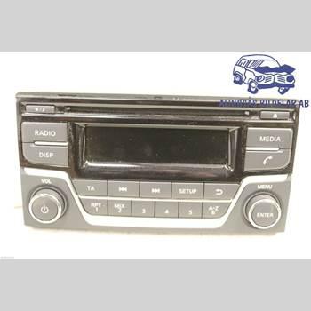Radio CD/Multimediapanel NISSAN JUKE 14-19 5DC5 HRA2DDT 6VXL SER ABS 2015