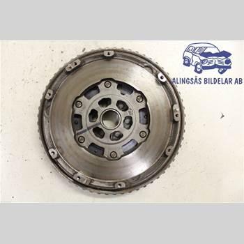 Svänghjul Man / växellåda NISSAN JUKE 14-19 5DC5 HRA2DDT 6VXL SER ABS 2015 1233100QAB