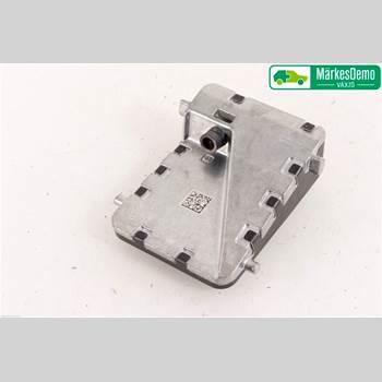 Sensor Aktivt Kollisionsskydd TOYOTA C-HR TOYOTA C-HR 5D 1,8 HYBRID 2018 8646CF4010