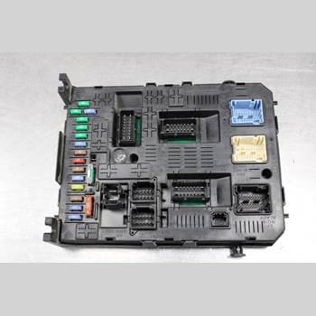 Säkringsdosa/Elcentral PEUGEOT PARTNER 08-15 1.6HDi Diesel Skåp 90HK 2009 966405878001