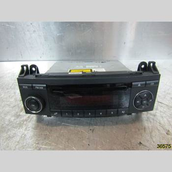 RADIO CD/MULTIMEDIAPANEL MB A-Klass (W169) 04-12 MERCEDES-BENZ A 150 2005 A 169 820 02 86