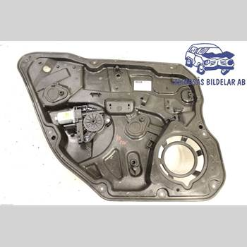 VOLVO V60 11-13 5DCBI B4204T6 AUT 2011 30784308
