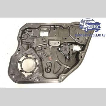 VOLVO V60 11-13 5DCBI B4204T6 AUT 2011 30784309