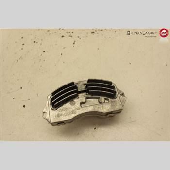 BMW 3 E90/91 SED/TOU 05-12 BMW 3-SERIE 4-CYL SEDAN 4D 2005 64119265892