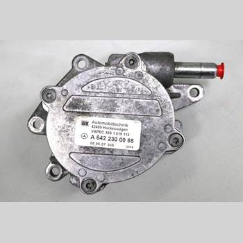 MB C-KLASS (W204) 07-15 C320CDI AUT 4D SED AVANTGARDE 2007 A6422300065