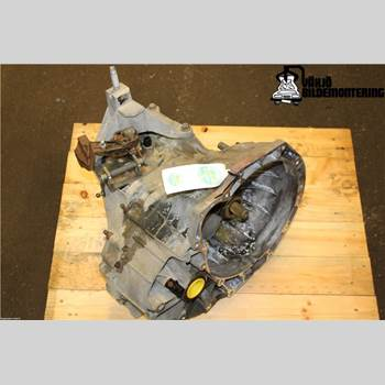 FORD TOURNEO CONNECT 03-08 Ford Tourneo Connect 03-08 2004 1338673