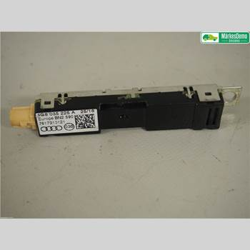 Antennförstärkare AUDI A7/S7 4G 11-17 3,0 TDI. AUDI A7 QUATTRO SPORTBACK 2017 4G8035225A