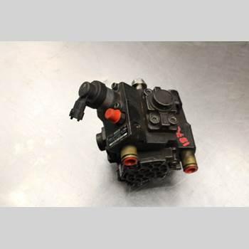 KIA CEE´D 12-18 1.6CRDi Diesel Kombi 128HK 2013 331002A420