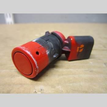 Parkeringshjälp Frontsensor AUDI A4/S4 05-07 RS4 V8 4,2 FSi 2007 7H0919275D