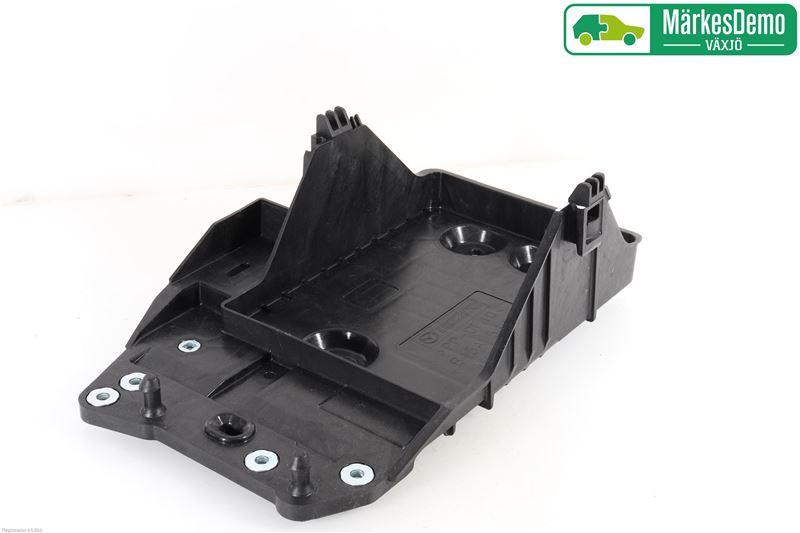 Batterilåda/Fäste/Hållare till MAZDA 3 III 2014-2019 Y B45A56040A (0)