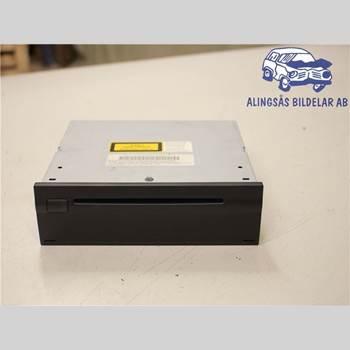 GPS NAVIGATOR MB E-KLASS (W211) 02-09 4DSED 200 NGT AUT 2008 A 211 870 60 85