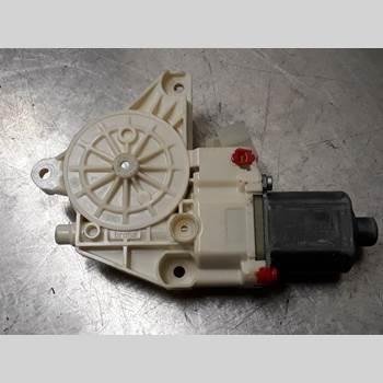 Fönsterhissmotor MB A-KLASS (W176) 13-18 MERCEDES-BENZ 176 A 180 CDI 2013 A2469065200