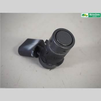 Parkeringshjälp Frontsensor AUDI A4/S4 05-07 4,2 FSI/V8. AUDI RS4 2006 7H0919275D